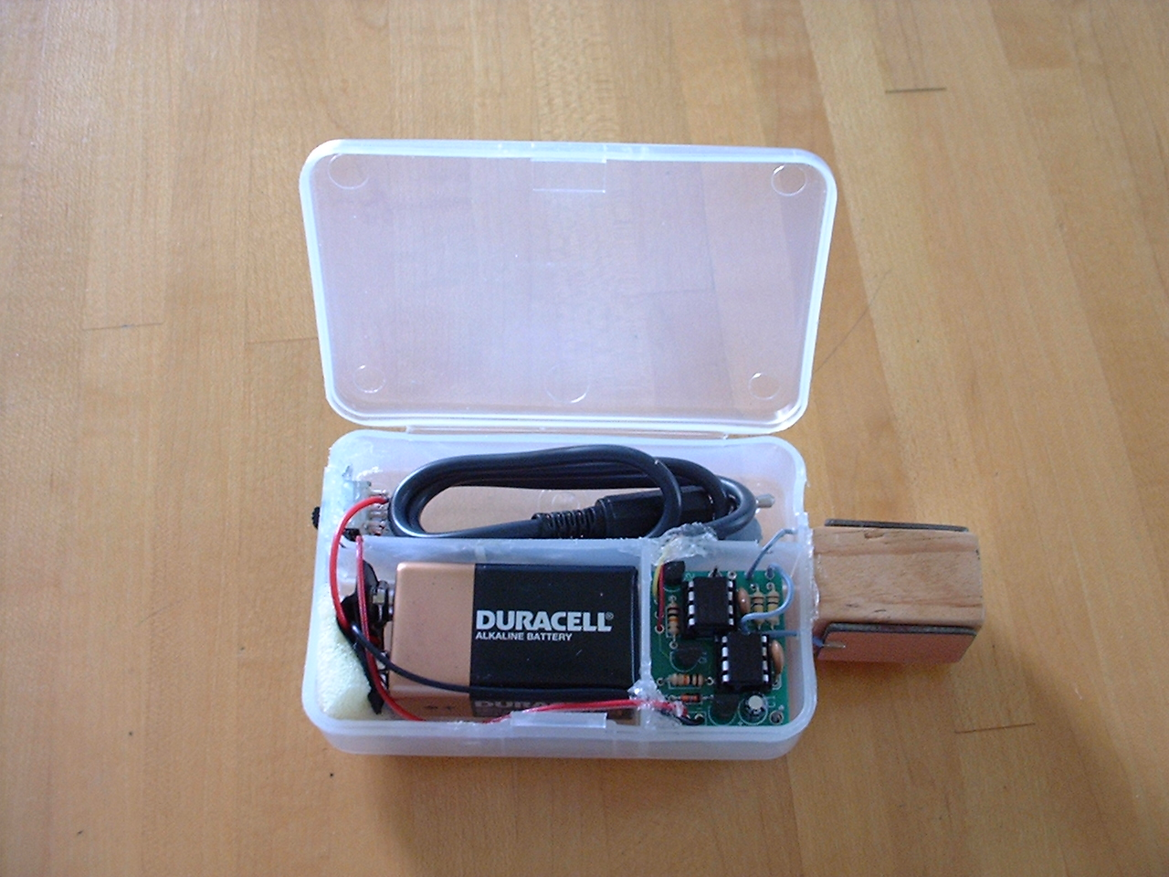 Keys Paddles And Keyers Simple Electronic Keyer Ive Never Tried A Touch Paddle So I Ordered The Kit From Cwtouchkeyercom Built Up Little Board Then Packaged It In Box Found At